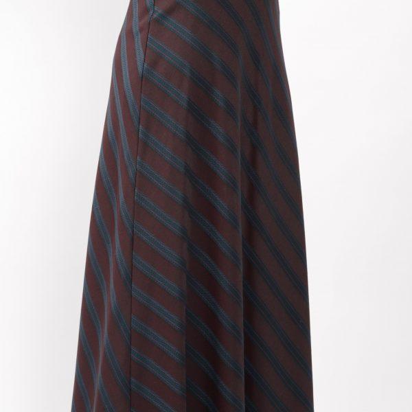:ロングフレアスカート