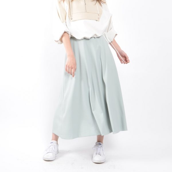 SKIRT:フレアスカート