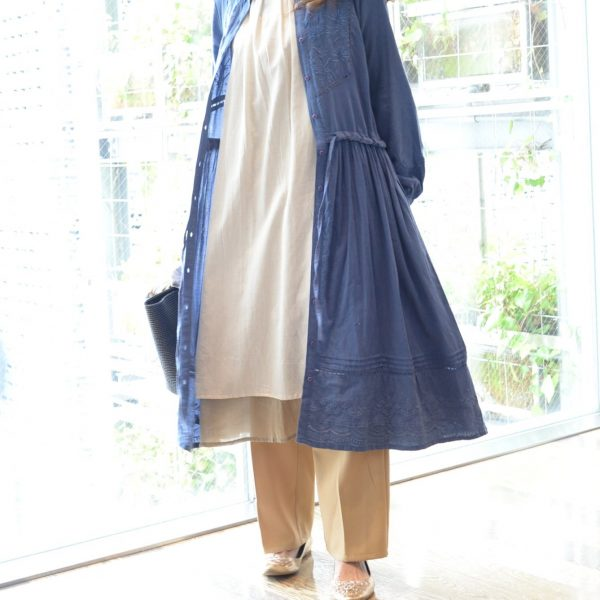 DRESS:刺繍マオカラーワンピ