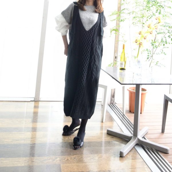 TOPS:ニットジャンバースカート