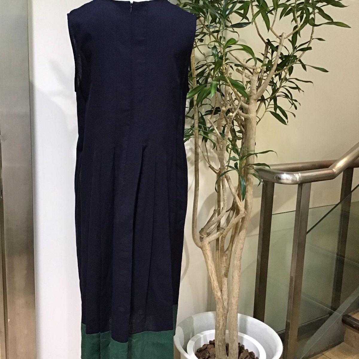 :裾配色ワンピース